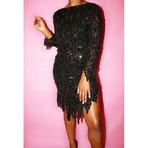 Dresses & Skirts - Black sequins dress
